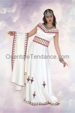 Kabyle dress with burnous